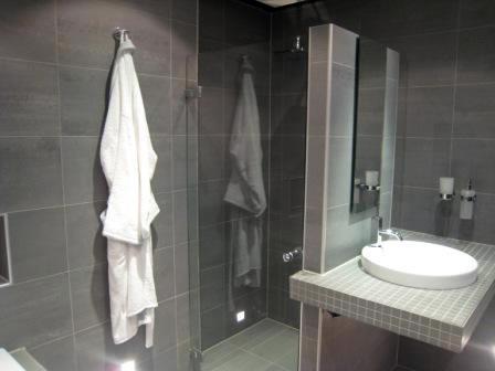 Van Looy Totaalbouw  Badkamers, sanitair en tegelwerk alkmaar heiloo